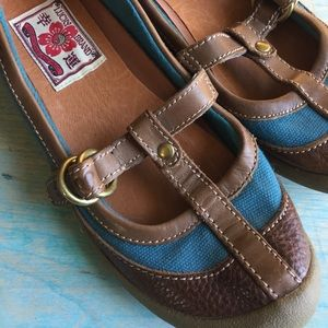 Lucky brand blue & brown leather Mary Jane flats 6